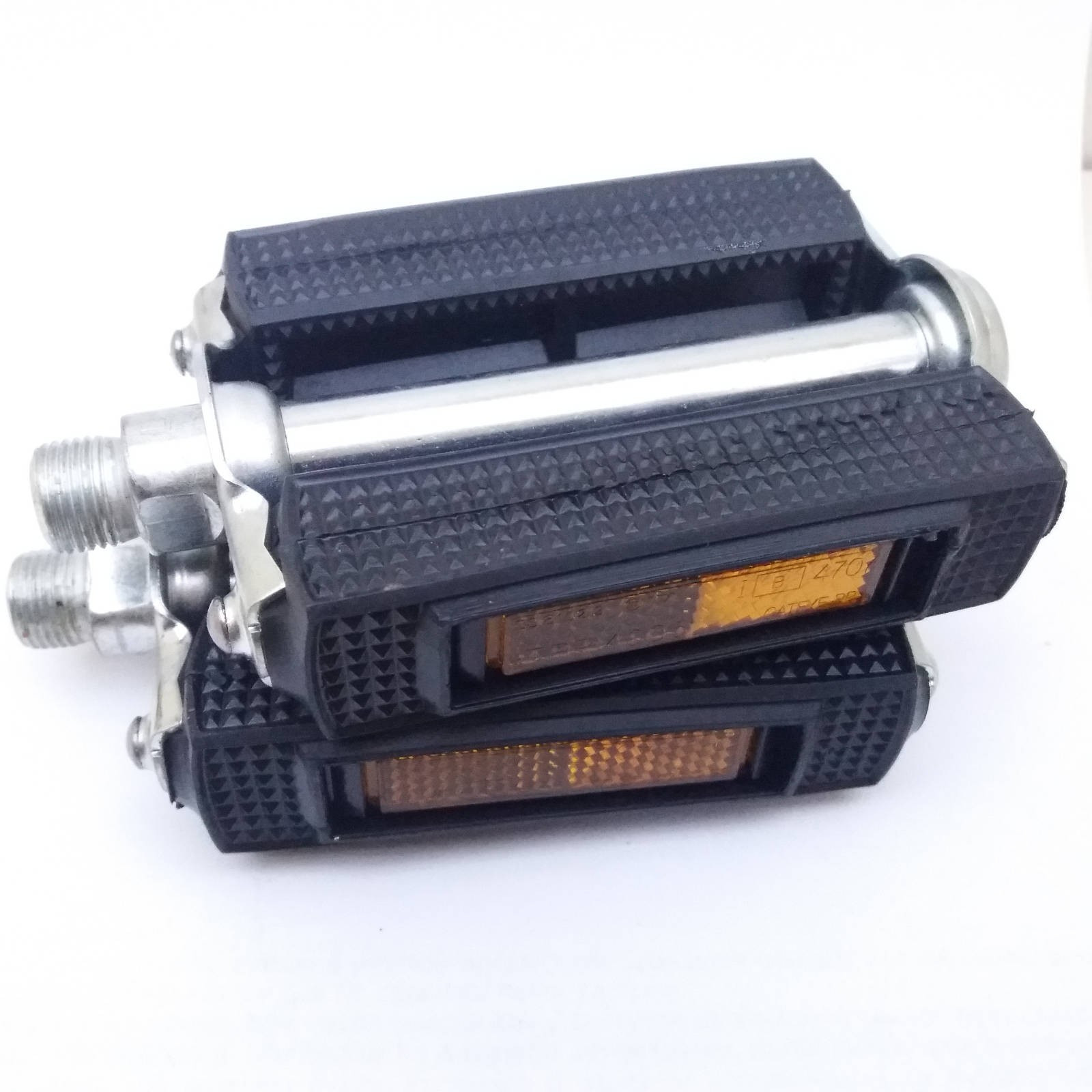 Union R Classic Block Bicycle Pedals with metal housing 9/16 thread