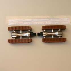 Bicycle Pedals City Sport Brown Gum 9/16