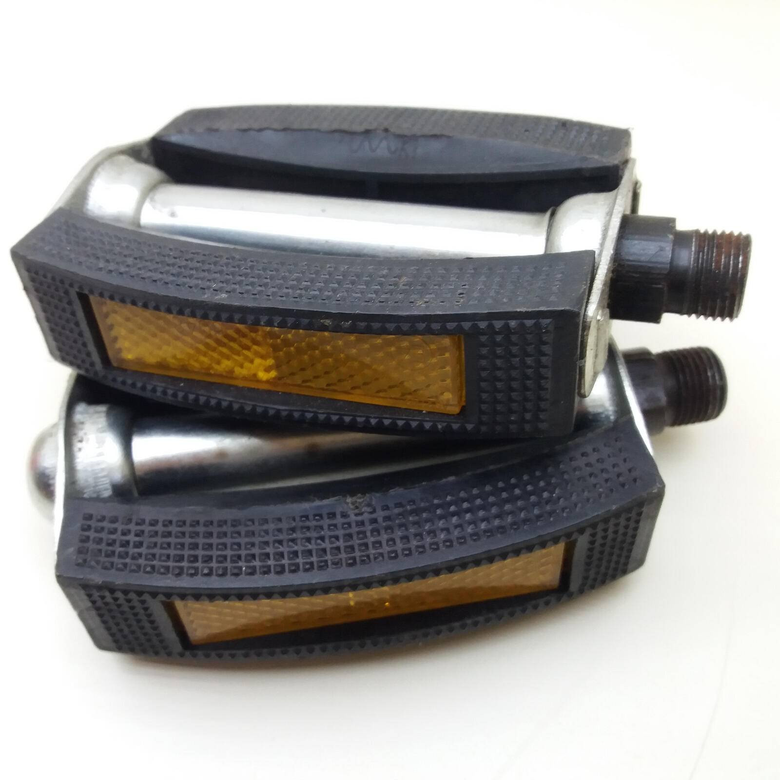 Retro Pedals VP Components Holland 9/16 Thread Metal Housing Block type Suitable for old timers bikes